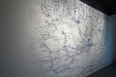 Wire and spray paint, 400 x 300 cm